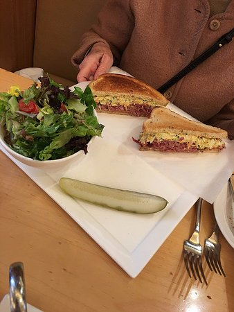 Central Michel Richard: Corned beef sandwich- far from ordinary