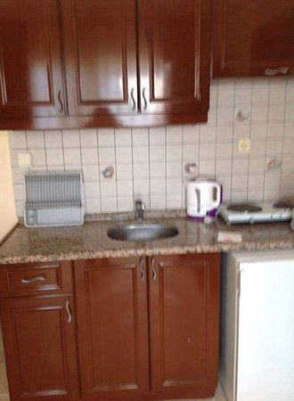 Imperial Apartments: Stayed in may 2016 again great apartments, rooms although dated are spacious clean and comfortab