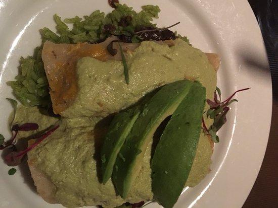 Edmond, OK : Chicken Enchiladas --- incredibly delicious