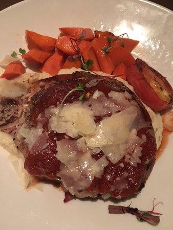 Edmond, OK : Meatloaf with carrots