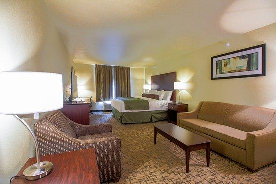 Cobblestone Hotel & Suites Devils Lake