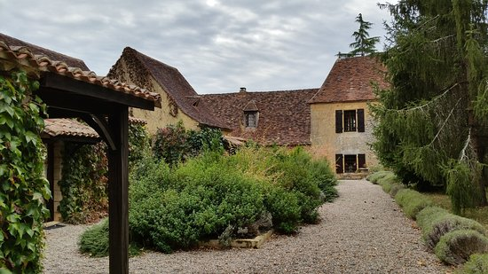 Mauzac, Francia: Entry courtyard