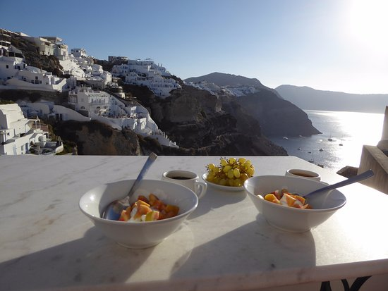 Chelidonia Villas: Honeymoon suite breakfast on the private terrace