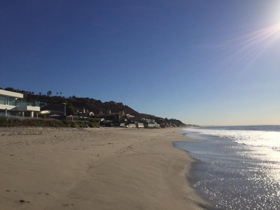 The M Malibu: Quiet beach (this is from crossing at the crosswalk, not the stoplight down the road)
