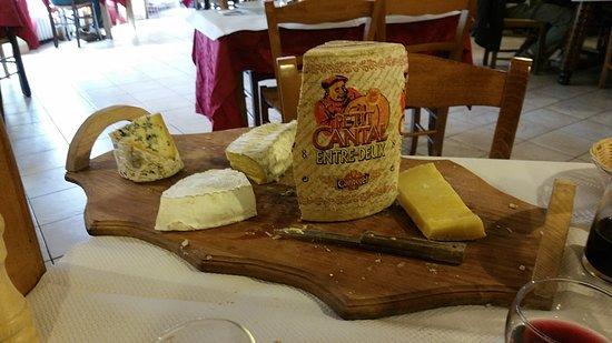Chez Monique: plateau de fromages