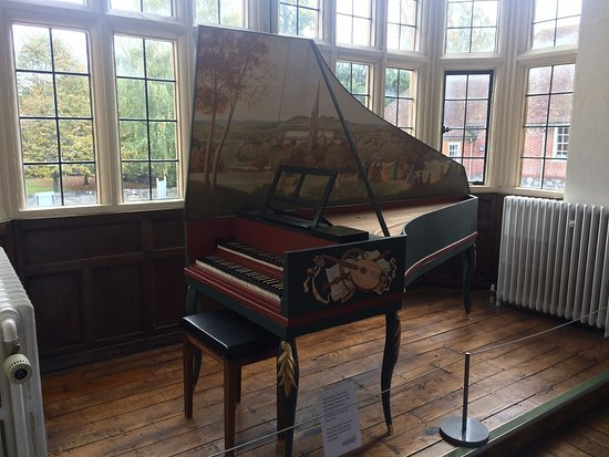 Salisbury, UK: Harpsichord.