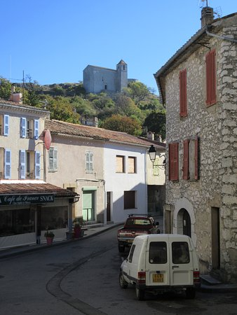 Grand Hotel Bain: View of Chapelle Saint-Andre from the town
