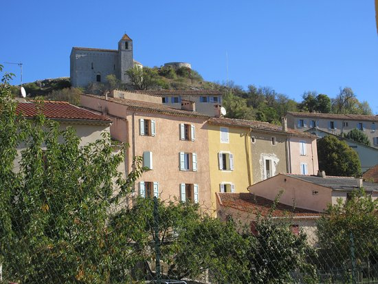 Grand Hotel Bain: View of Chapelle Saint Andre from the town