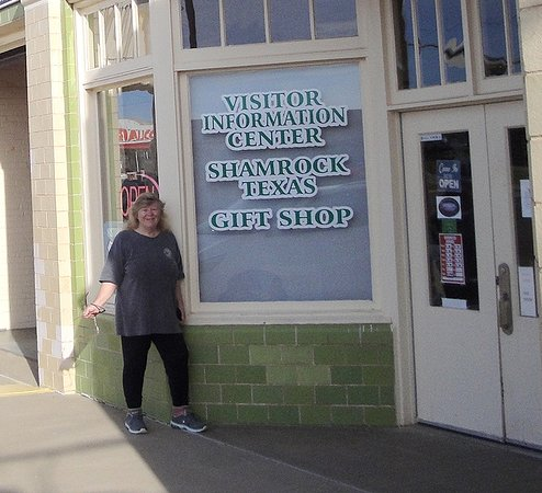 Shamrock, Teksas: They just opened, in we go !