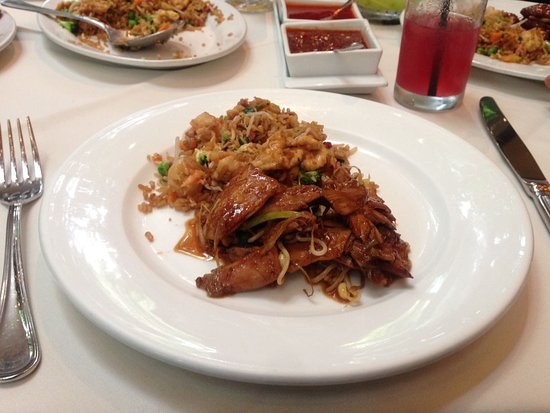 Hunan: Shredded duclking floating in wine sauce