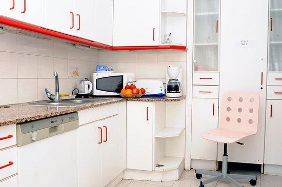 Barcelona Nice & Cozy: Executive shared kitchen
