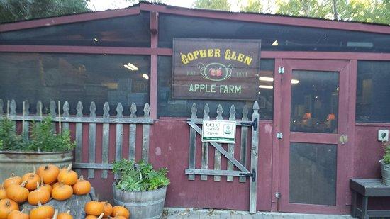 Gopher Glen Farms: Front Entrance