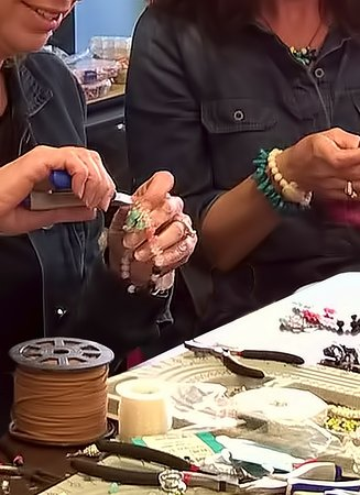 Evansville, Indiana: Make your own Jewelry