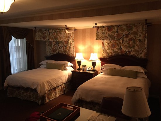 Amazing 2 Bed Double Room Picture Of The Talbott Hotel Chicago Download Free Architecture Designs Philgrimeyleaguecom