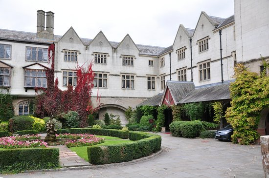 Coombe Abbey Hotel: Hotel Frontage