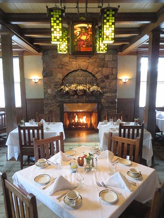 East Aurora, NY: Roycroft dining room.