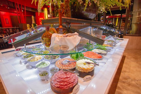 Avenida Brazil is an upscale restaurant offering the best fine dining experience in Sugar Land, The Woodlands & Clear Lake, TX. Call to book with our Brazilian steakhouse today!
