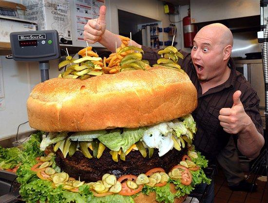 Southgate, MI: 338.6lb Burger