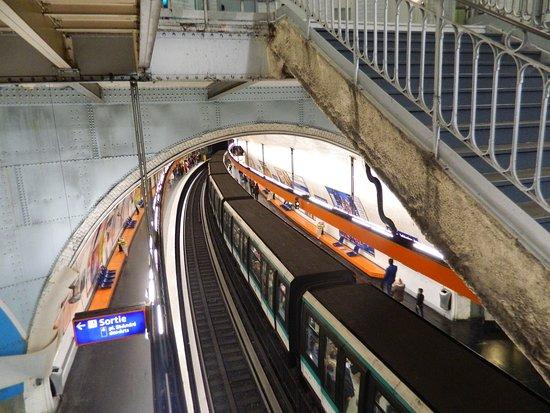 Estación de metro Châtelet - Picture of Paris Metro, Paris - TripAdvisor