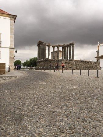 写真Templo Romano de Évora (Templo de Diana)枚