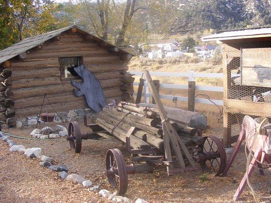 Frazier Park, Californien: An old log cabin.