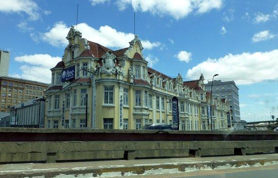 Edificio Ely