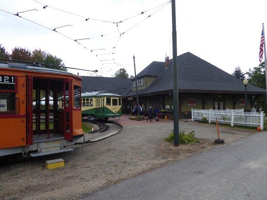 Kennebunkport, ME: The trolleys await