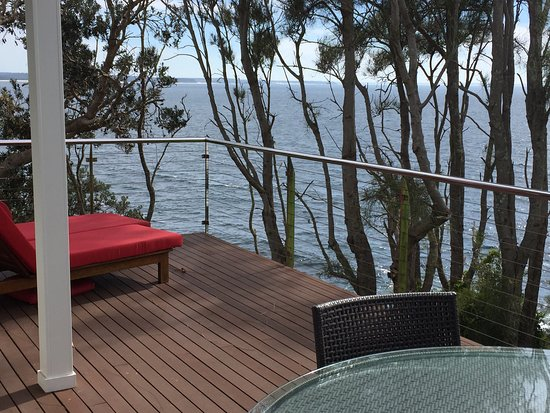 Mollymook, Australia: Room 7. View from both inside and outside the room (1bedroom spa suite)