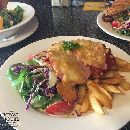 Toowoomba, Australia: chicken parmi