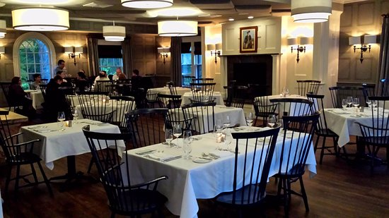 Artistry on the Green: The elegant dining room