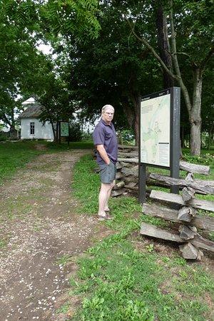 Munfordville, KY: information sign