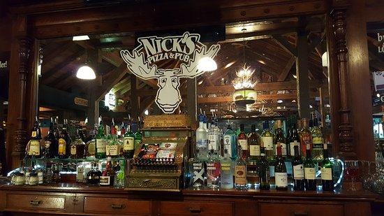 Crystal Lake, IL: Back bar
