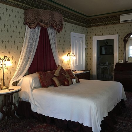 The Queen Victoria: Queen Victoria Room