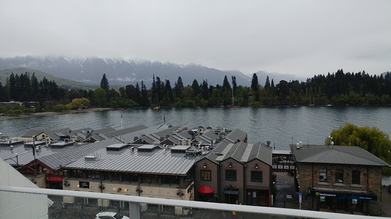 Crowne Plaza Queenstown: Fifth Floor view back at wharf and Remarkables