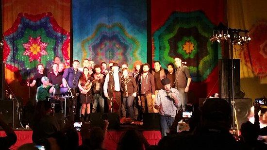Ocean Shores, WA: gathering of many bands