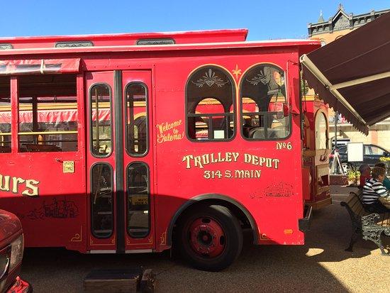 Galena, IL: The trusty trolley