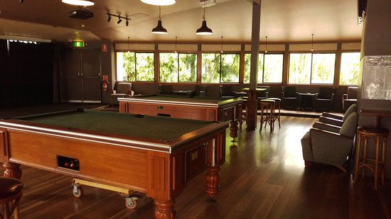Bangalow, Australien: Games room and lounge for family friendly meals