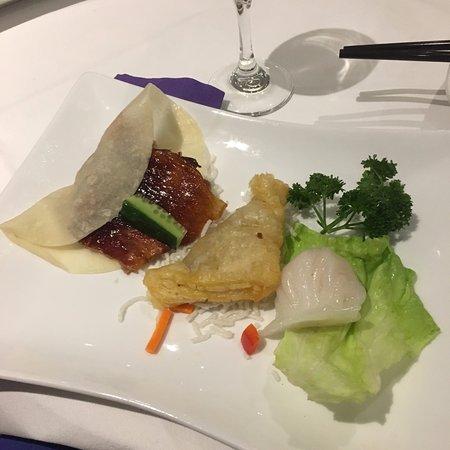Faulconbridge, Australia: Our banquets entree - the duck pancake was amazing