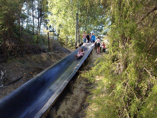 Kaiteriteri, New Zealand: Giant water slide