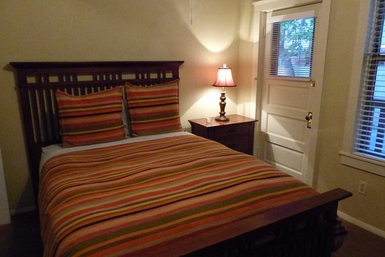 Comfy bed picture of eldorado suites hotel bisbee for Comfy hotels resorts