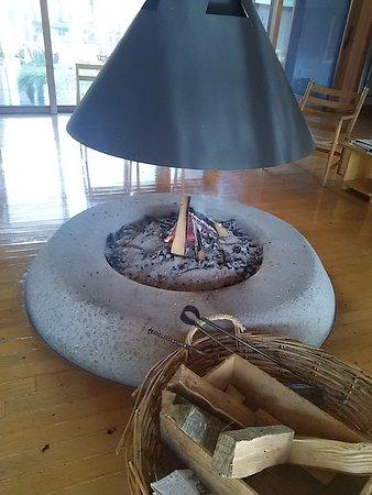 Makkari-mura, ญี่ปุ่น: レストラン入り口の暖かい暖炉