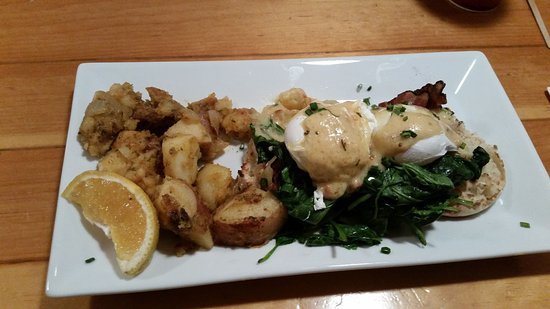 Canton, CT: Eggs Vermont