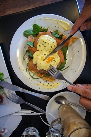 Joondalup, Australien: Eggs Benedict done perfectly
