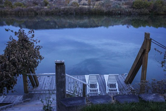 Hagerman, ID: Peaceful river retreat.