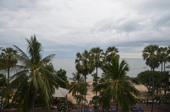 Pak Nam Pran, Tayland: Looking out to the sea from the room