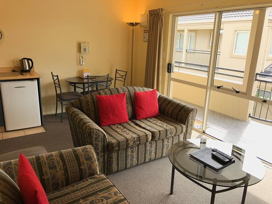 Milano Motor Lodge: 1bdrm lounge