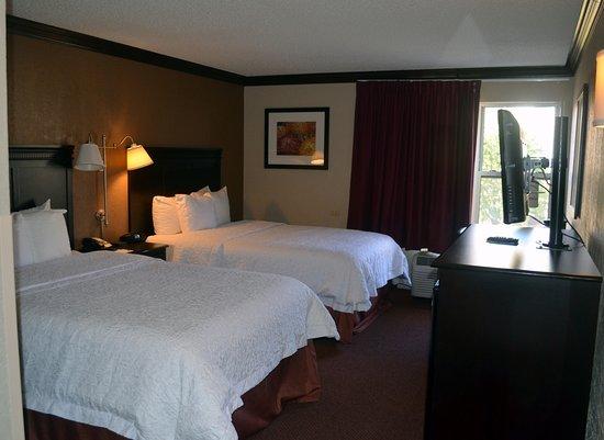Hampton Inn & Suites Hoffman Estates: Double beds