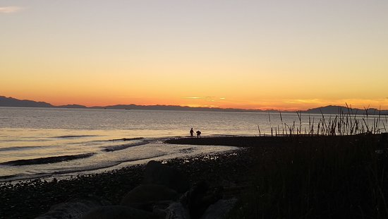 Sechelt, แคนาดา: Sunset at Chapman Creek, Davis Bay