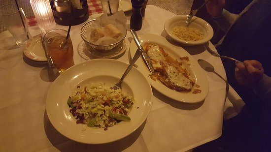 Maggiano's Little Italy: 20161026_191859_large.jpg