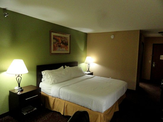 Holiday Inn Express Watertown Photo